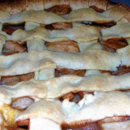 Salted Caramel Apple Beehive Pie